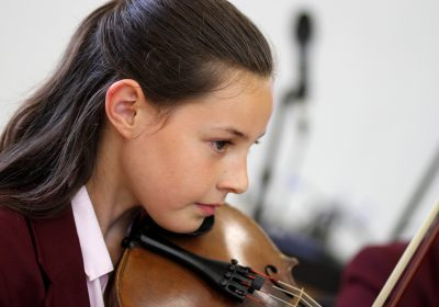 Independent School Portsmouth, Girl playing violin