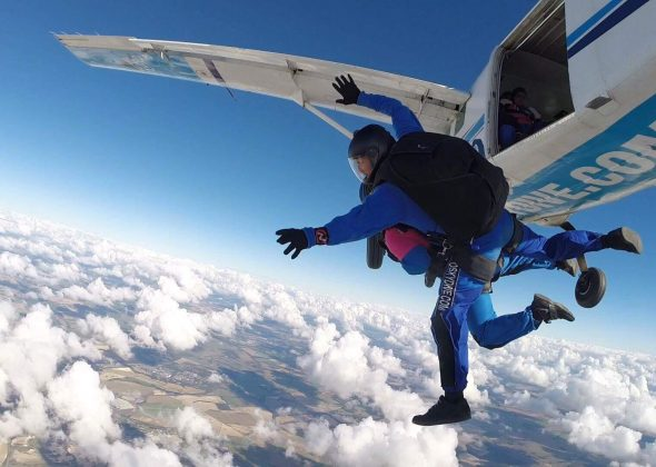 Portsmouth Sixth Formers skydive for Breast Cancer Haven