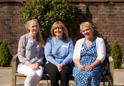 Independent School Portsmouth, Ladies sitting together, School reunion